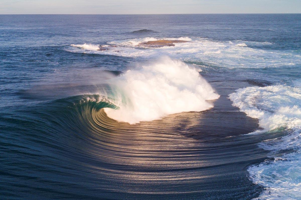 Airwaves Swells Peak